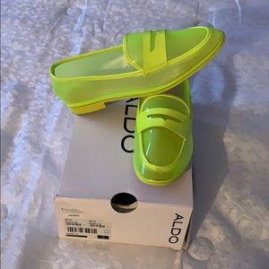 Like green Heiwet loafers